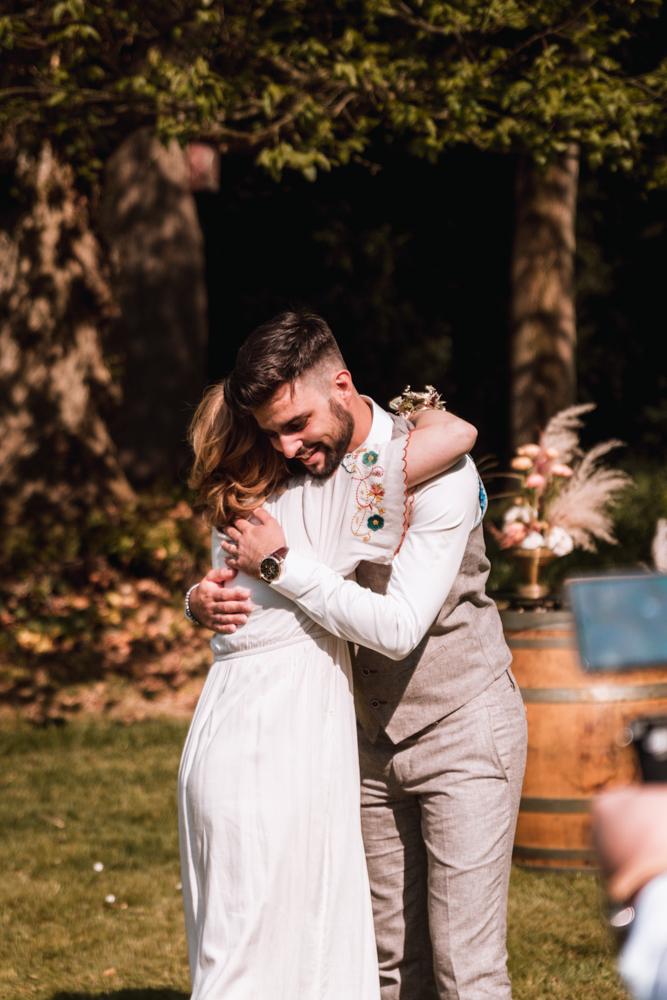 Photographe mariage, calin