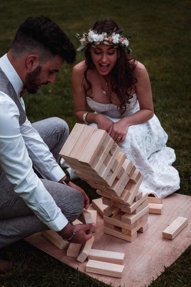 Photographe mariage mayenne, maine et loire. Jeu bois