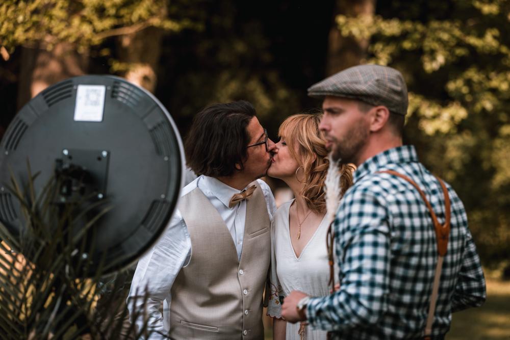 Photographe mariage mayenne, maine et loire. photobooth, kiss !