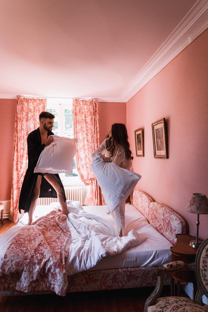 Photographe mariage, mayenne, maine et loire et sarthe, bataille de coussin